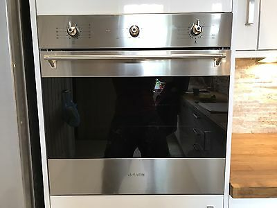 Graded smeg sf6371X multifunction oven. RRP £429