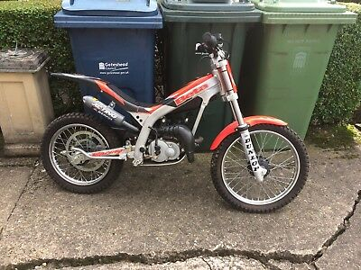 Beta 50cc auto NEVER SEEN MUD USED 3 TIMES!!