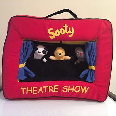 Sooty And Co Finger Puppet Theatre Show! Sooty, Soo & Sweep Finger Puppets.