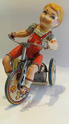 Excellent 1940's Unique Art KIDDY CYCLIST Wind Up Tin toy Tricycle !