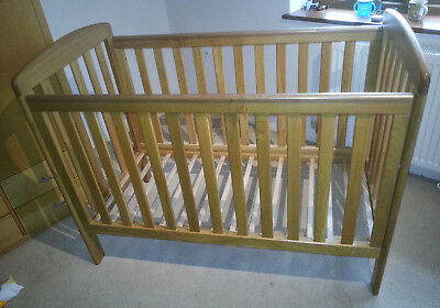 Mamas and Papas Cot & Changing Table, flight proven, good condition.