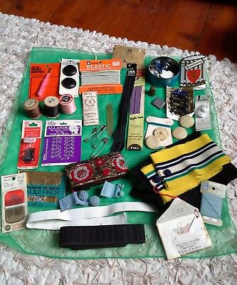 Mixed lot vintage sewing items