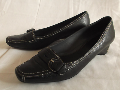"""Clarks Womens Black Leather Slip-on Shoes with Low Heel 1.5"""" - Size 8"""