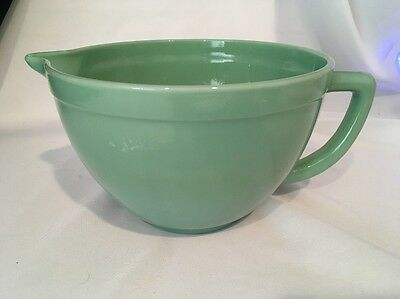 Vintage Jadeite Green Glass Fire King Mixing Batter Pouring Bowl