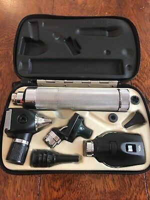 Welch Allyn Otoscope/ Ophthalmoscope Diagnostic set 3.5v+