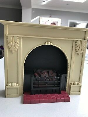 Sindy - Fireplace