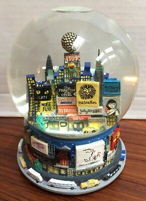 Bloomingdales Broadway Cares New York Times Square Snow Globe Pre Owned 1999