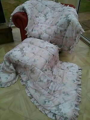 SOo Pretty! Shabby Chic PAIR of Chalky Pastel Floral Frilled Eiderdown Quilts !!