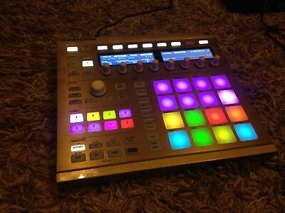 Native Instruments Maschine Mk2 - In Gold