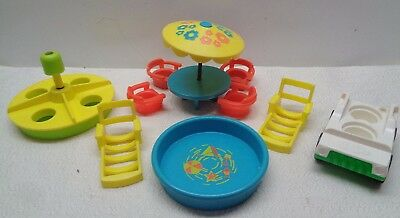VINTAGE Fisher Price Little People PLAY FAMILY 2526 COMPLETER PATIO