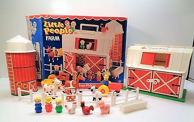 VINTAGE Fisher Price Little People #915 FARM PEOPLE ACCESSORIES & BOX