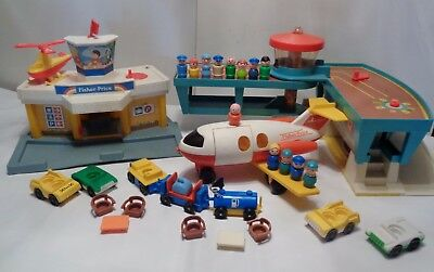 VINTAGE Fisher Price Little People PLAY FAMILY AIRPORT AND JETPORT & ACCESSORIES