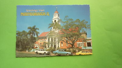 OLD 1970s AUSTRALIAN POSTCARD, MARYBOROUGH QLD, VIEW OF THE TOWN HALL