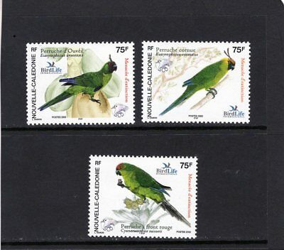 NEW CALEDONIA 2005 Bird Life Parrots set of 3 MINT Mtd.
