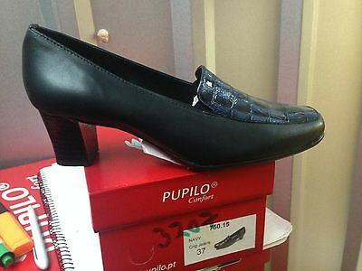 Ladies Navy Leather Shoes Size 4