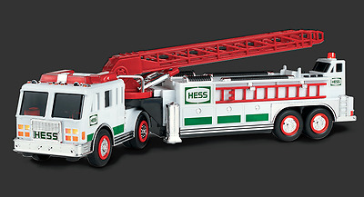 2000 New HESS Toy FIRE TRUCK Mint Condition NEW IN BOX Ladder Truck Rescue