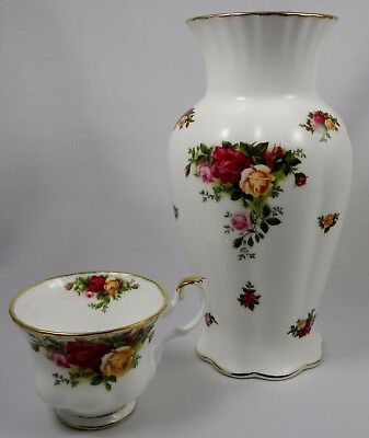 ROYAL ALBERT OLD COUNTRY ROSES Large Tall Vase
