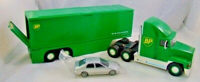 BP Transforming Truck 1997 Collectors Edition Bonus Car Lights Sound 1:36 Scale