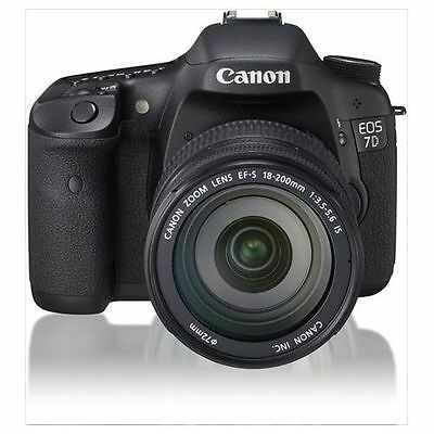 Near Mint! Canon EOS 7D with EF-S 18-200mm f/3.5-5.6 IS USM - 1 year warranty