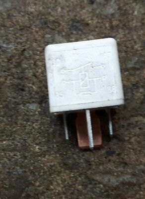 Saab 9-3 White 4 Pin Relay 95 22 061