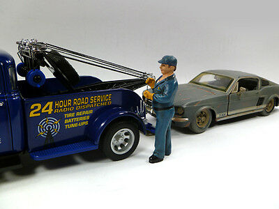 Tow Truck Driver/Operator BILL - 1/24 - G scale figure-NEW from American Diorama