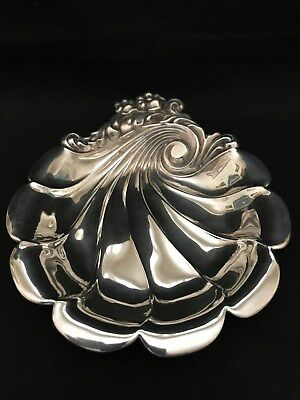 "Lunt Eloquence Sterling Silver 6"" Scalloped Shell Repousse Dish Bowl 91.1 grams"