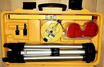 Johnson Self Adjusting Laser Level And Laser Lever Kit #40-0909 9100 Works Great