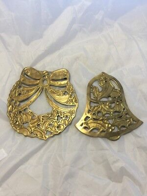 Brass Trivet ~ Christmas Holiday Bell-Wreath with Bow- vintage