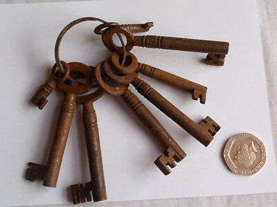 Antique Mixed Job Lot 19Th C Bunch Of 8 Rusty Old Keys (G)
