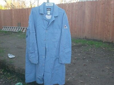 FR Lab Coats Mens Navy or Light Blue size Small $5.00 each