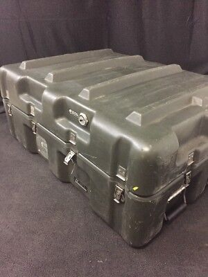 "HARDIGG 33x25x14"" Shipping Container Hard Case Waterproof Military Grade Hinged"
