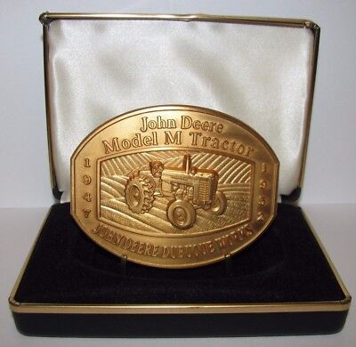 John Deere M Tractor Belt Buckle Dubuque Work 1997 LIMITED EDITION 605/1000 Gold