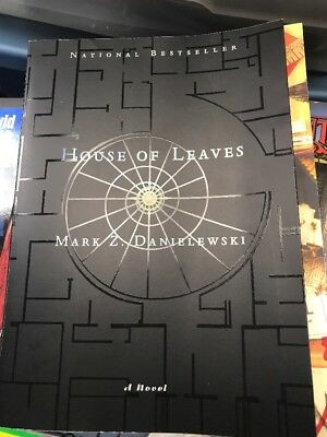 House of Leaves First Addition 2 Color Mark Z  Danielewski  (Paperback) B10