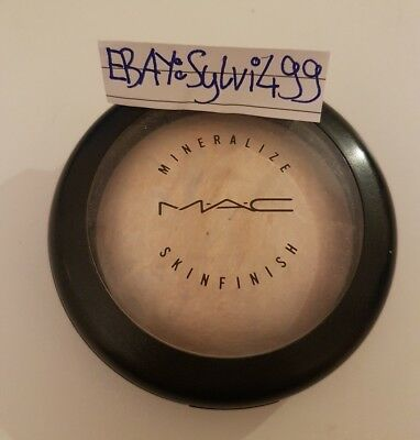 Mac Mineralize Skin Finish Highlighter Lightscapade Must Have Blogger Glow Shimm