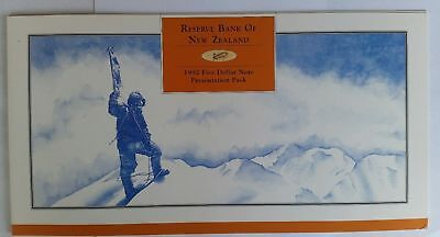 1992 New Zealand AA Prefix Block of 4 × $5 Notes in Reserve Bank issued Folder