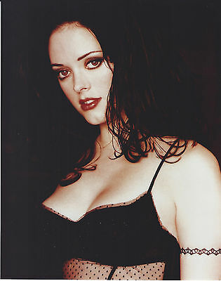 Rose Mcgowan 8 X 10 Photo With Ultra Pro Toploader