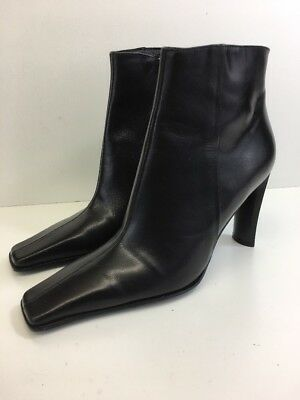 cbaf174a383 GUESS ANKLE BOOTIES Boots Black Leather Side Zip Heels Women's Size 6 Made  Spain
