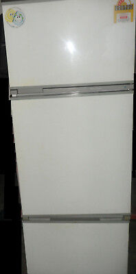 Fisher & Paykel N400H 3 door auto defrost fridge/freezer fruit/vegetable crisper