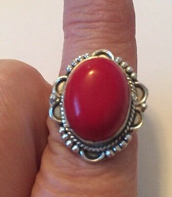 Stunning Vintage To Modern Estate Ring Size 7.5 Silver Tone Red Stone