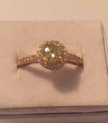 Stunning Vintage Estate Jewelry Ring Size 9 Gold Plated Light Green Stone