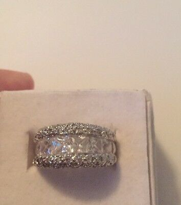 Stunning Vintage Estate Jewelry Ring Size 5 Square Stines Silver Tone