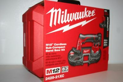 """Milwaukee 2429-21XC M12 Cordless Sub-Compact Bandsaw Kit Cuts 3/4"""" EMT in 3 sec"""