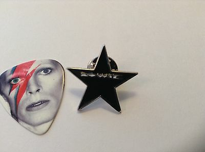 "David Bowie ""Blackstar"" NEW edition tribute pin badge +FREE GIFT"