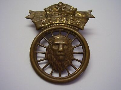Vintage Metal Pinback Monarch with Lion Head and Spokes FREE SHIPPING