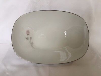"Noritake Fine China PASADENA 6311 10"" Oval Vegetable Bowl, Pink/Gray Rosebud"