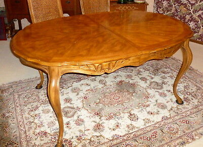 1980 Drexel Country French Provincial Walnut Dining Table Curved Legs 2 Leaves