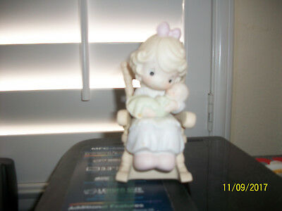 Precious Moments Figurine, Love Never Leaves a Mothers Arm, 1995, Mother & Baby