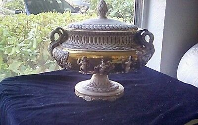 RARE ANTIQUE CAPODIMONTE SOUP TUREEN WITH LID #1211 N With A Crown On Top Italy