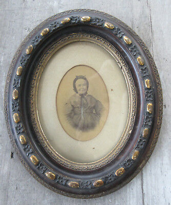 """Old Antique Victorian OVAL Gesso Ornate Wood Picture  Frame +Old Photo 10"""" x 12"""""""