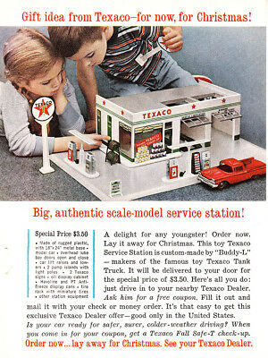 1960 Texaco: Scale Model Service Station Vintage Print Ad